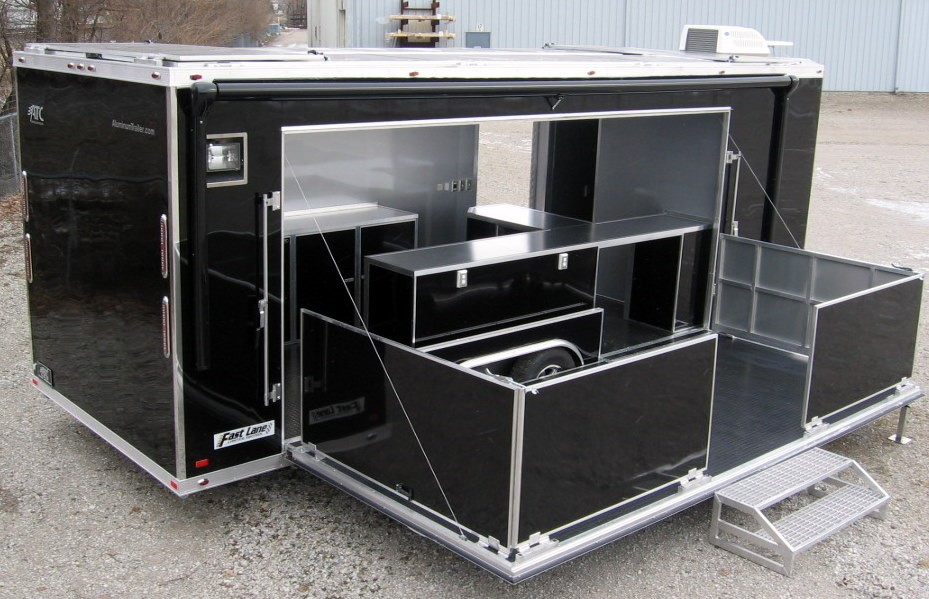 Mobile-Showroom-Trailer-169215-0004.jpg